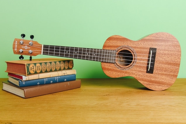 How do you strum a ukulele - Strum A Ukulele