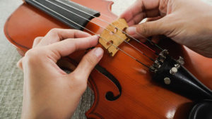 How To String A Violin Yourself? 2