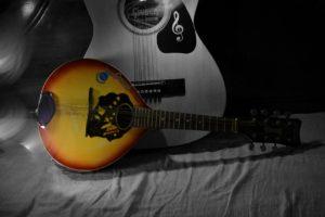 how to restring a mandolin