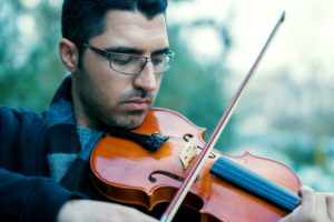 how to tell a real Stradivarius violin